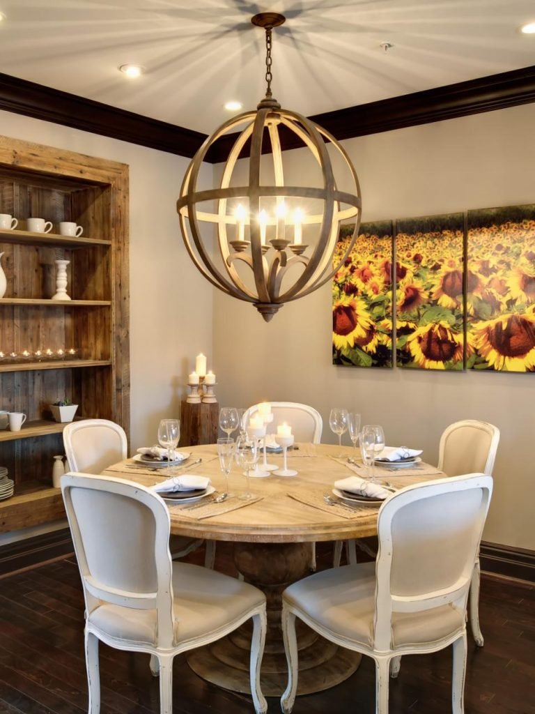 Tendances de l'éclairage de la salle à manger rustique