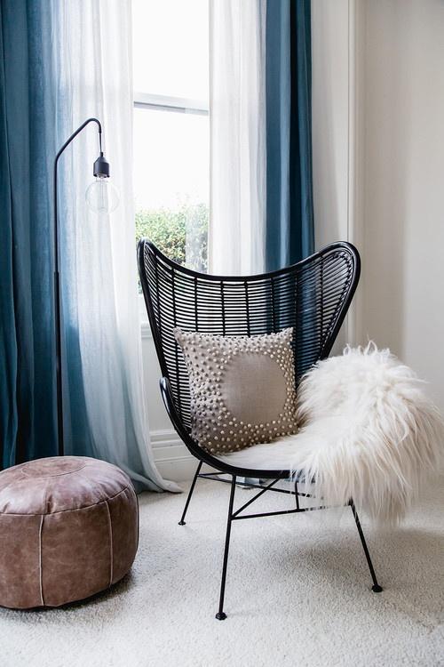 Ajoutez des sièges élégants pour une chambre luxueuse